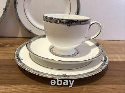 22 Piece Wedgwood Amherst Bone China Tea Set Teapot Cup Saucer Plate Platinum