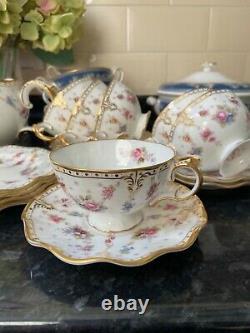 Royal crown derby antoinette tea set. Tea pot 6x tea cups and saucers