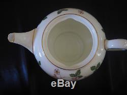 Vintage Wedgwood Wild Strawberry Tea Service Set with Teapot Tea Cups 21pc
