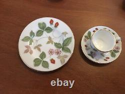 Wedgewood Bone China Miniature Tea Set Wild Strawberry